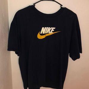 Vintage Nike Swoosh tee